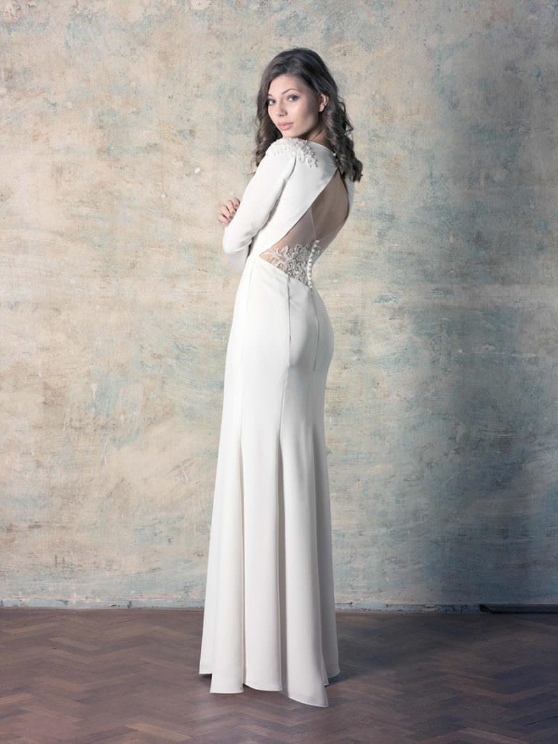 Nyitott hátú sellő menyasszonyi ruha