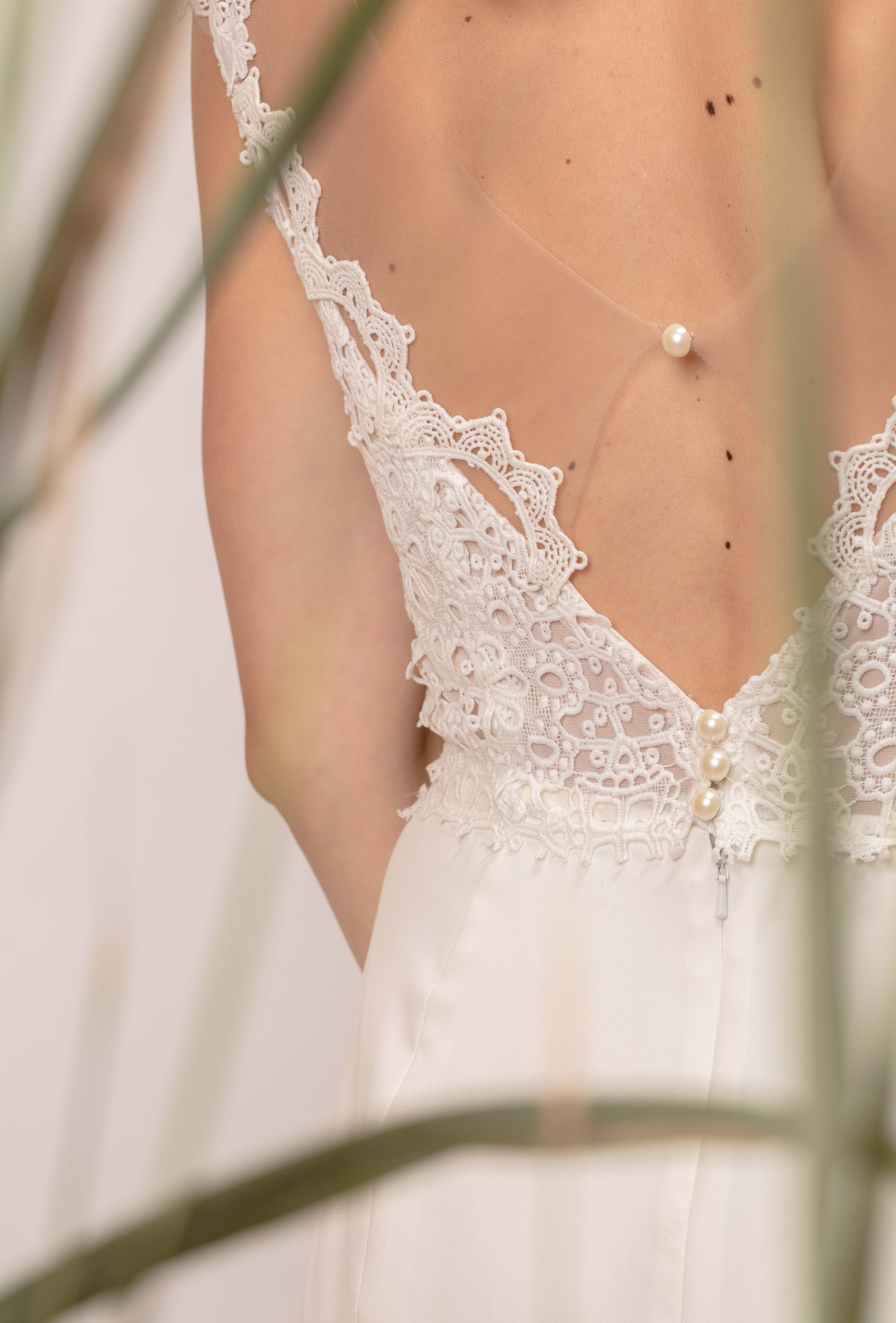Rochie de mireasă sirenă cu spatele gol și dantelă