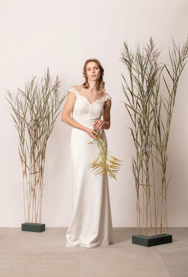 Sellő fazonú csipkés menyasszonyi ruha