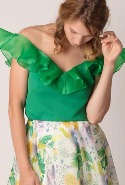 bluză cu volan pe umeri de culoare verde