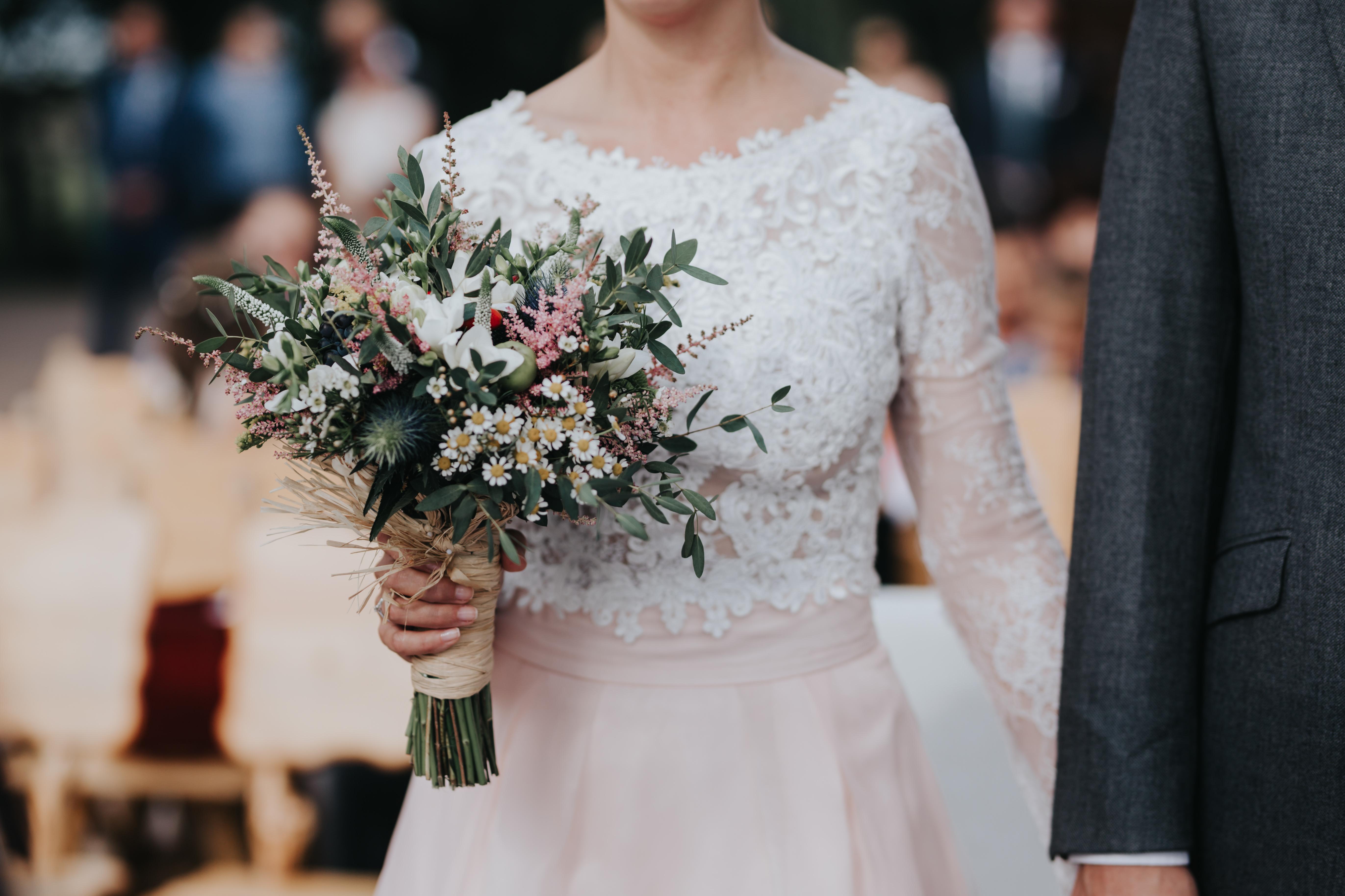 Rochie de mireasă cu dantelă