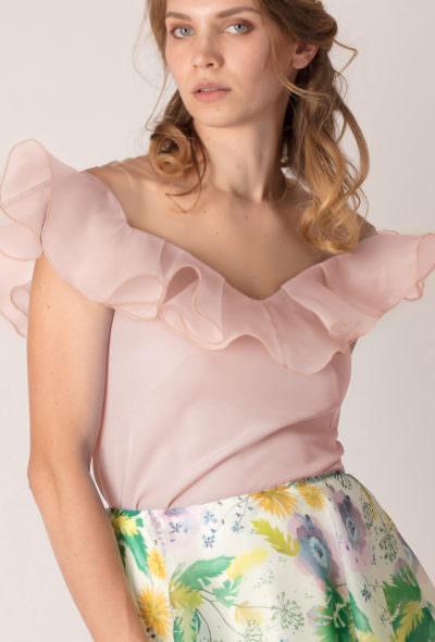 bluză cu volan pe umeri de culoare roz