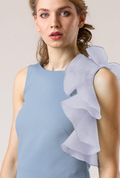 Bluză cu volan asimetric pe un umăr de culoare albastră